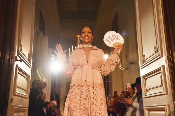 Best R&B Performance: Rihanna (Needed Me)