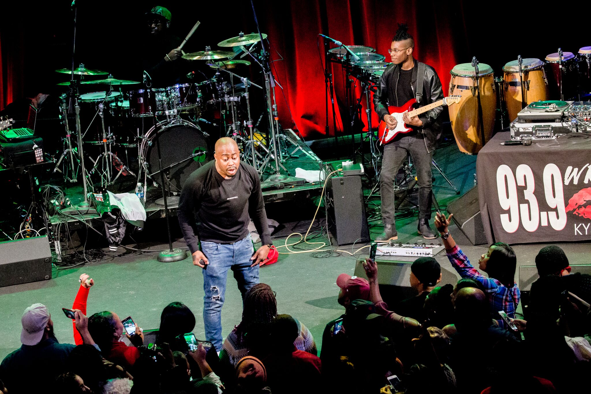 Raheem DeVaughn & Friends Charity Holiday Concert Photos