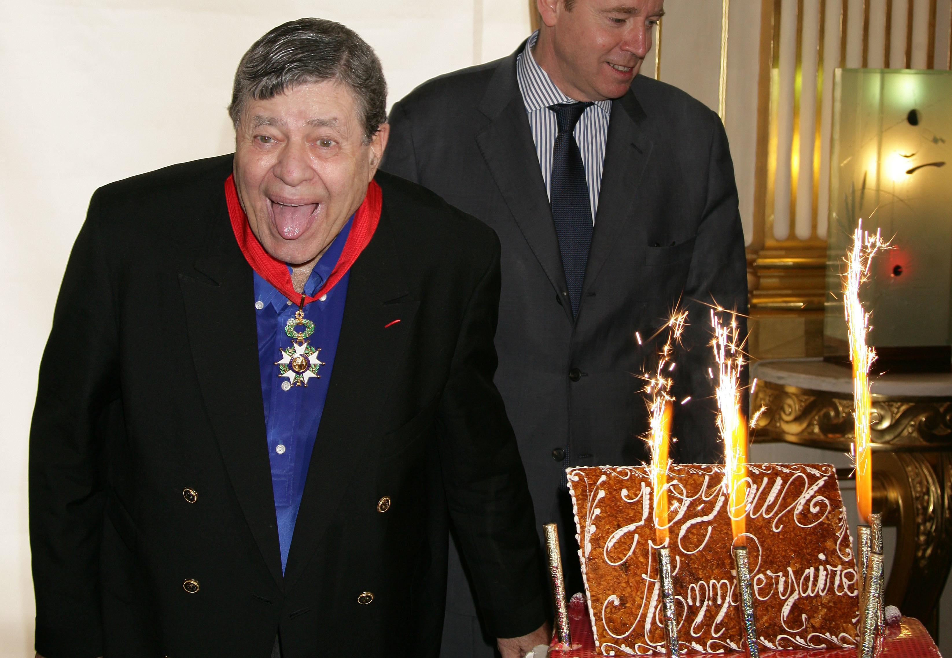 Jerry Lewis Awarded 'Commandeur de la Legion D'Honneur' in Paris
