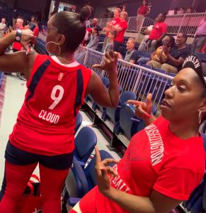 Washington Mystics Fans