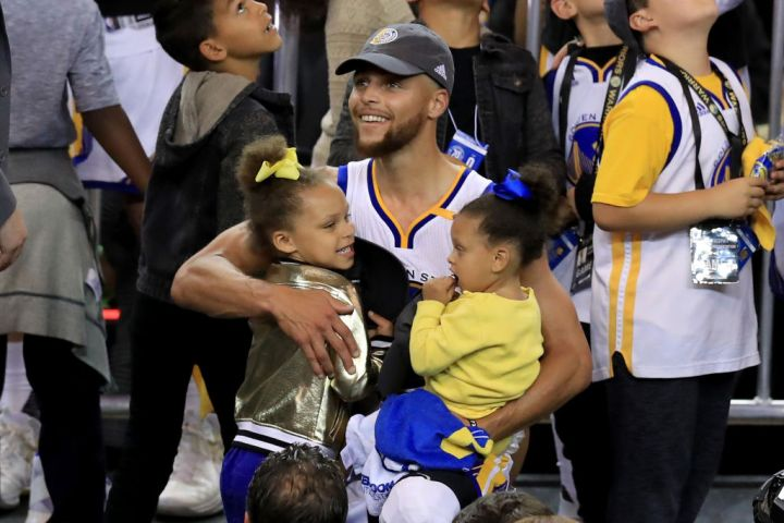 Stephen Curry & Daughters Riley and Ryan